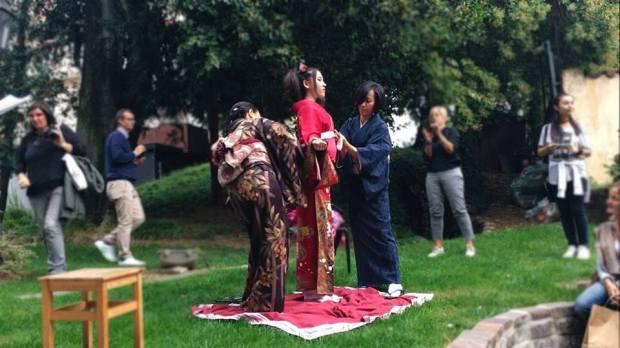 vestizione-di-kimono