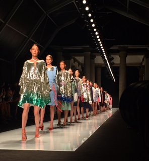 Au Jour le Jour fashion show